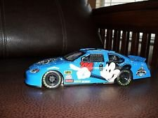 Disney Daytona 500 Mickey Mouse Die Cast Race Car 1:24 Scale 2004