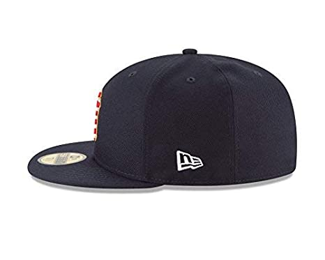d0baad347284a New Era New York Yankees 2018 Stars   Stripes 4th of July 59Fifty Hat at Amazon  Men s Clothing store
