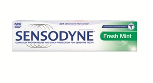 Sensodyne Toothpaste for Sensitive Teeth and Cavity Prevention, Maximum Strength, Fresh Mint 100g.