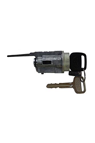 (Genuine Toyota 69057-35070 Cylinder and Key)