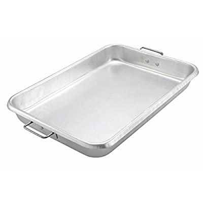 Winco Silver Aluminum Roast Pan with Handle - carrying the pan easy