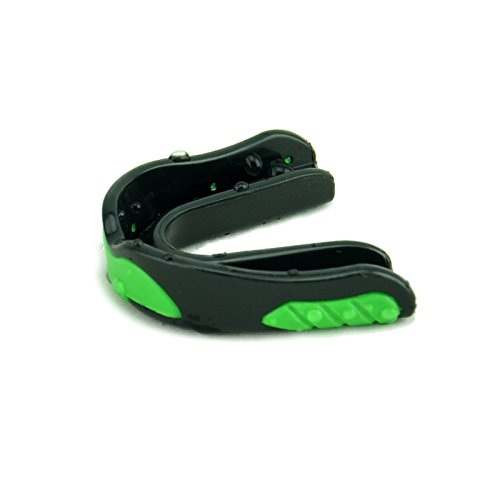 MaxxMMA Advanced Single Antibacterial Mouthguard (Black/Green) (Jiu Jitsu Pro Gear compare prices)