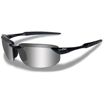 de135fd2fa4 Amazon.com  Wiley X WX Saint Glasses Polarized Smoke Green Lens ...