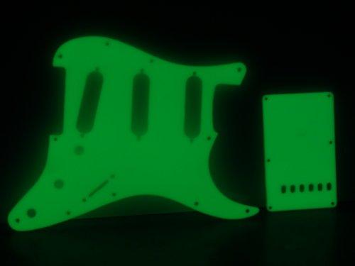 Picks Glow (Fender Strat Stratocaster Glow in the dark Pickguard Set)
