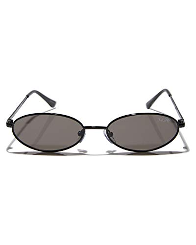 d39f74e2cf5 Amazon.com  Quay Australia CLOUT Women s Sunglasses Small Oval - Black Smoke   Clothing