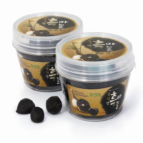 Joy Natural Fermented Black Garlic Peeled Cloves, Packed in transparent plastic tub with a lid, Fermented and Packed in Korea, 150 g by Joy Natural (Image #1)