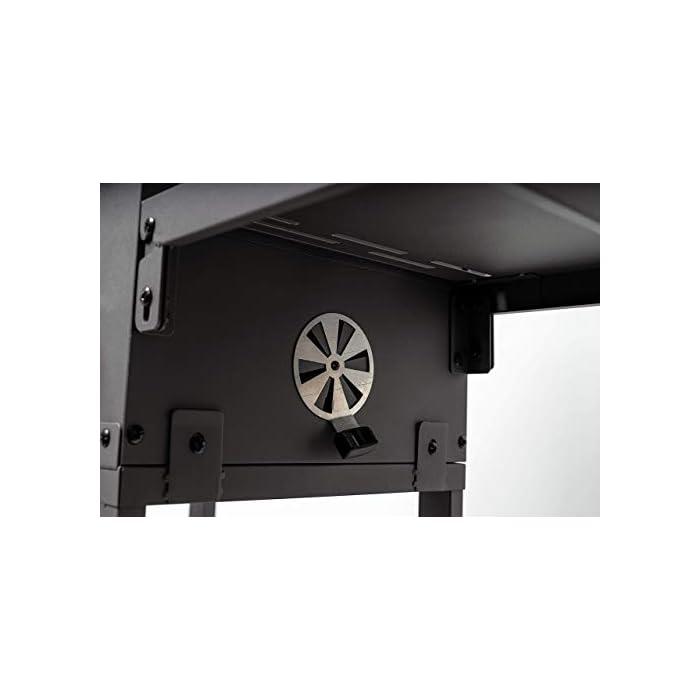 31bHnT1%2BHXL Sistema inteligente Rost-in-Rost: gracias al sistema Rost-in-Rost de la barbacoa, que se puede ampliar casi ilimitadamente, puedes cumplir cualquier deseo de barbacoa y se pueden crear deliciosos platos de wok, verduras o patatas. Bandeja de carbón ajustable y adicional: la altura regulable del nivel de carbón garantiza el control óptimo de la temperatura de la parrilla. Otra ventaja de la parrilla de carbón vegetal es la superficie de almacenamiento adicional con ganchos en el lateral para guardar de forma segura los alimentos, los ingredientes y los utensilios de la barbacoa. Ventilación especial: las aberturas de ventilación especiales de la parrilla de carbón garantizan una circulación de aire equilibrada durante el proceso de barbacoa y evitan que el carbón se apague con la tapa cerrada.