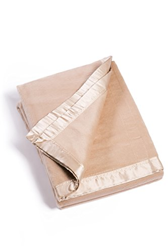 (Fishers Finery Microfiber Fleece Throw Blanket with 100% Silk Trim (Sand, Queen))