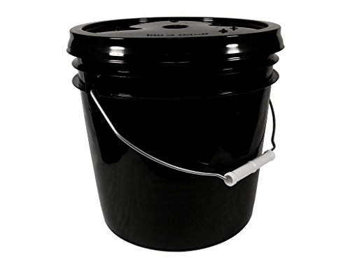 Black 2 Gallon Bucket with Gasketed Lid (Black (SNAP ON), 1)