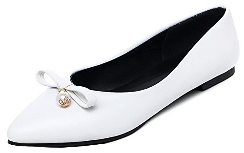 VogueZone009 Women's PU Solid Pull-On Closed-Toe Low-Heels Pumps-Shoes White e69v4Bm
