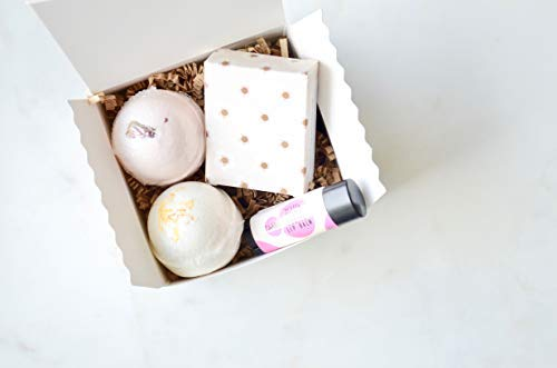 Handmade Spa Gift Box | Gift under 15 | Valentines Day Gift Idea | Bridesmaids Gift | Bath Bomb Gift Set | Mother's Day Gift | Gift for Her | Bath and Beauty Gift Set ()
