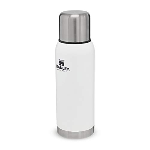 Stanley Adventure Series 18/8 Stainless Steel Wall Vacuum Insulation Water Bottle Leakproof + Packable Doubles As Cup Naturally Bpa-Free, Unisex-Adult, Blanco Polar, 1 1QT / 1 0L