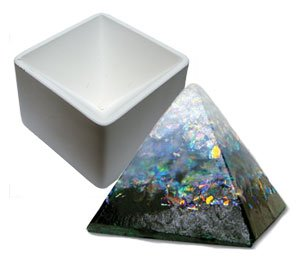 Delphi Studio Pyramid Paper Weight Mold (Mold Stained Glass)