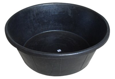 Gallon Pan Feed (Master Rancher MR3GR-PAN-BLK 3 Gallon Rubber Feed Pan)
