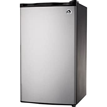 Amazon Com Igloo Fr322 3 2 Cu Ft Refrigerator And