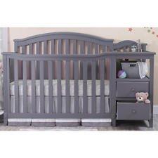 Sorelle Berkley Crib and Changer - ()