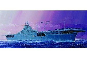 Trumpeter 05728 1/700 U.S.S. Essex CV-9 Aircraft Carrier
