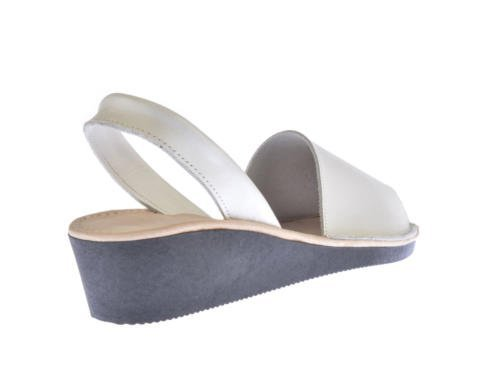 Sandalias Menorquinas en Cuña, Todo Piel mod.211. Calzado Made in Spain, Garantia de calidad. Blanco