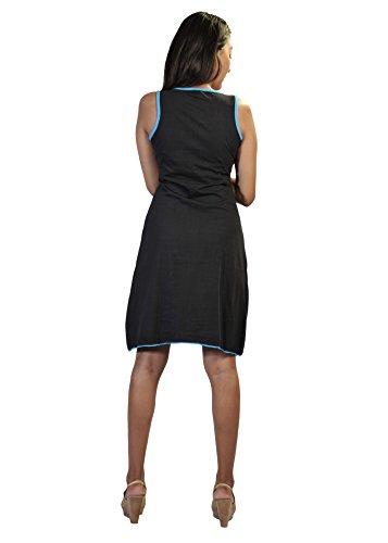 Mangas de las señoras vestido con plumas de pavo real inspiró la impresión y el diseño de bordado negro