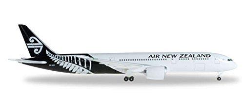 he527873-herpa-wings-air-new-zealand-787-9-1500-blackwhite-livery-model-airplane-by-herpa-wings