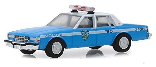 Greenlight 42890-C Hot Pursuit Series 32-1990 Chevrolet Caprice - New York City Police Dept NYPD 1:64 Scale