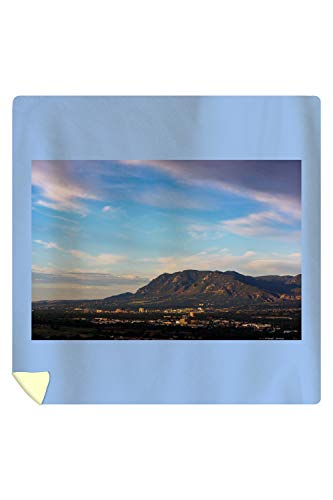 Lantern Press Colorado Springs, Colorado - Cheyenne Mountain and Downtown - Photography A-92645 (88x88 Queen Microfiber Duvet Cover) ()