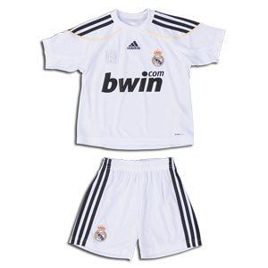 wholesale dealer a17ff eb16c Amazon.com : Adidas Real Madrid Home Mini Kit 09/10 (2TOD ...