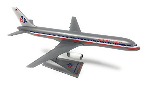 American (70-13) 757-200 Airplane Miniature Model Snap Fit 1:200 (American Airlines Boeing 767 300)
