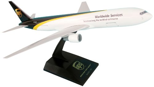 daron-skymarks-skr496-ups-767-300-airplane-model-building-kit-1-150-scale
