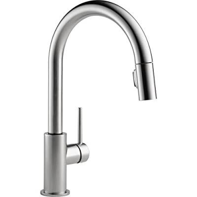 Delta Faucet Trinsic Single Handle Pull-Down Kitchen Faucet with Magnetic Docking