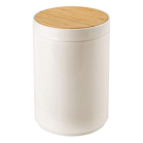 mDesign Small Round Plastic Trash Can Wastebasket, Garbage Container Bin with Bamboo Swing Top Lid - for Bathrooms, Kitchens, Home Offices - 1.3 Gallon/5 Liter - Cream/Natural Wood Finish