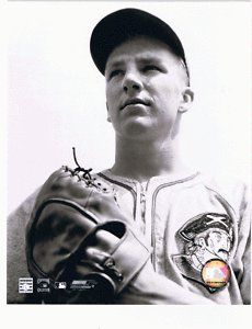 (RALPH KINER Unsigned 8x10 Photo PITTSBURGH PIRATES)