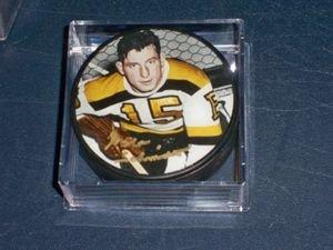 Bruins Milt Schmidt Autographed Photo Puck