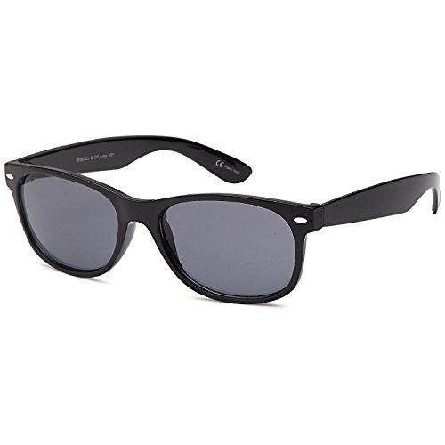 GAMMA RAY UV400 Classic Style Sunglasses - Grey Lens on Black - Gradient Wayfarer