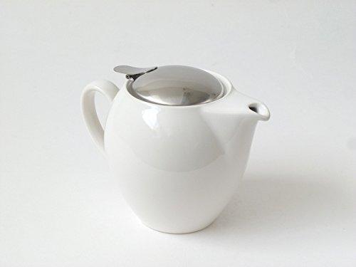 Round White Teapot 22 Ounces