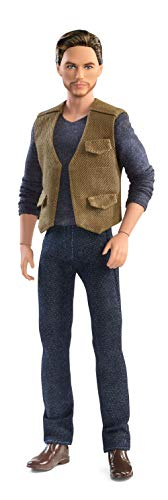 The Hunger Games Characters Costumes - Barbie Jurassic World Owen