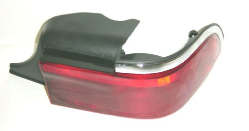 OE Replacement Mercury Grand Marquis Passenger Side Taillight Assembly (Partslink Number FO2801145)