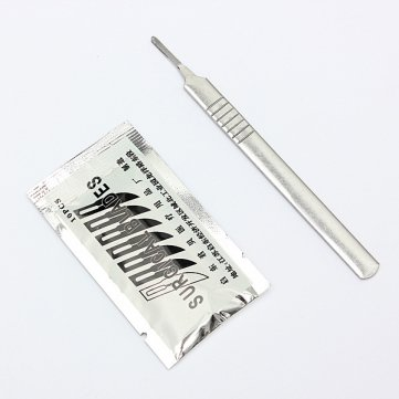10pcs #11 Carbon Steel Surgical Scalpel Blades + 1pc #3 Handle