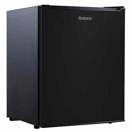 amazon com galanz 2 7 cu ft mini refrigerator freezer black by