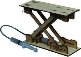 Buy the curious brain scissor lift do it yourself science activity the curious brain scissor lift do it yourself science activity kit hydraulic projects pascal law solutioingenieria Gallery