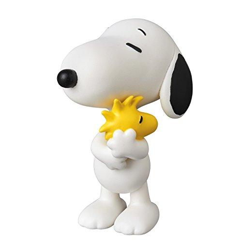 Medicom Peanuts: Snoopy Holding Woodstock Ultra Detail