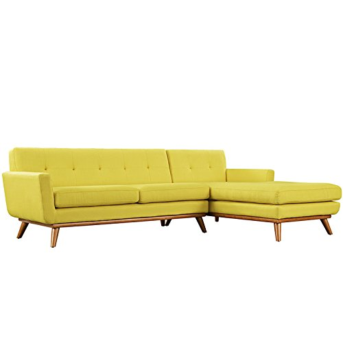 Engage Right-Facing Sectional Sofa in Sunny
