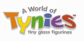Glasswork Hello Kitty Tynies 142 Glass Figure
