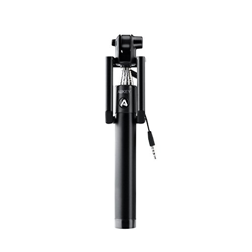 AUKEY Selfie Stick mit Kabel Batterielose Selfie Stange Stab Monopod ohne Bluetooth, Erweiterbare Kabelsteuerung für iPhone Samsung und andere Android Smartphones (HD-P8 Schwarz)