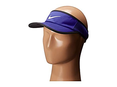 a58e44032a3 Amazon.com   Nike Aerobill Featherlight Visor Paramount Blue Black White  Baseball Caps   Everything Else