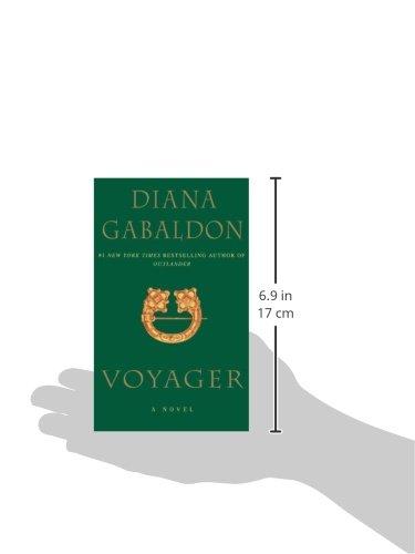 Voyager a novel outlander diana gabaldon 9780440217565 voyager a novel outlander diana gabaldon 9780440217565 amazon books fandeluxe Gallery