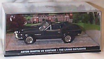 Universal Hobby James Bond 007 The Living daylights Aston Martin V8 Vantage Film Scene car 1.43 Scale diecast Model Aston Martin V8 Cars