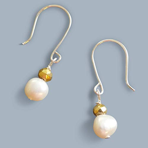 Handmade Small Womens Gold/Silver Tone Pearl Drop Earrings Beads by Bettina ()