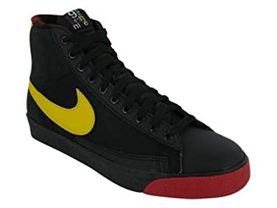 timeless design ce55d 363a1 Amazon.com | Nike Blazer SP High | Shoes