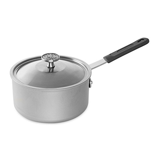 Nordic Ware 3 Quart  Restaurant Sauce Pan with Lid